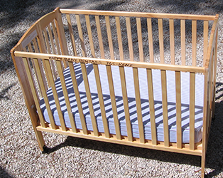 Full Size Crib With Optional Bumper